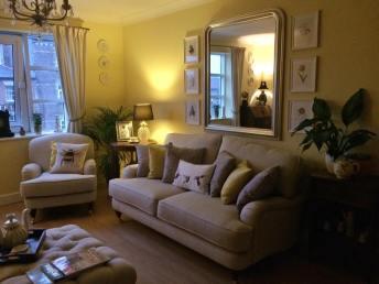 lounge-mirror
