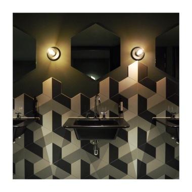 Geomentric Toilet