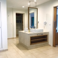 Bathroom (Royal Master Suite)